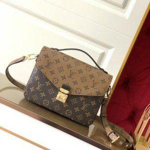 NWT Louis Vuitton  wallet